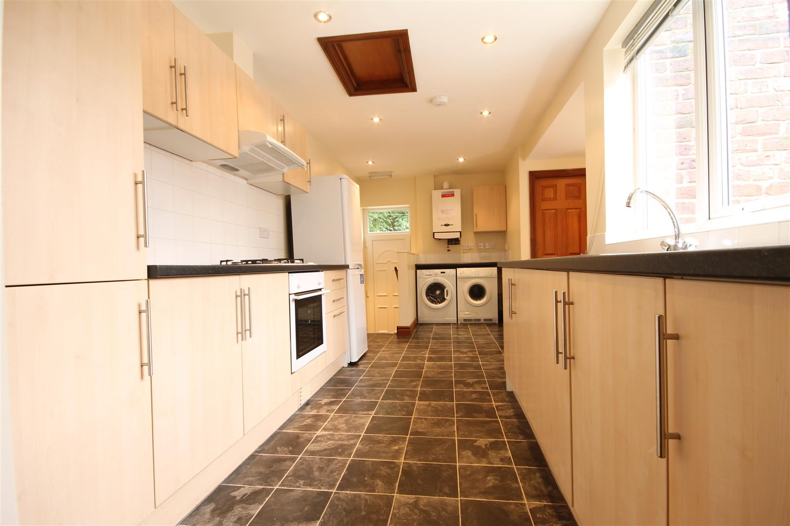Deuchar Street Newcastle upon Tyne, 6 Bedrooms  Maisonette - upper ,To Let
